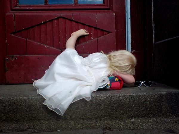 girl doorway dress