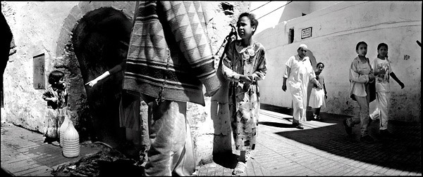 morocco essaouirra Collecting water