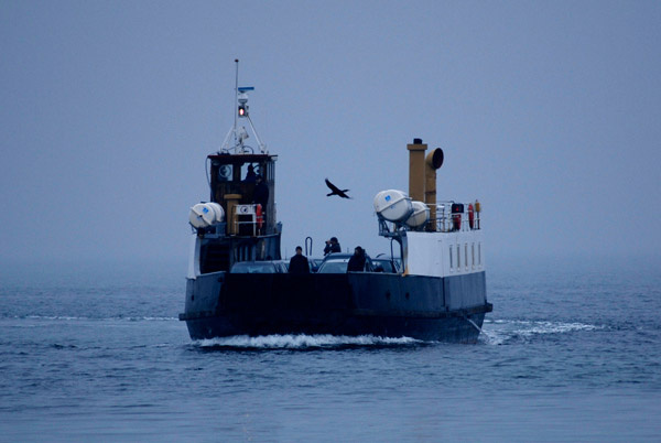 Rørvig Faergen - den gamle - på vej ind i havn.